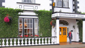 Locally owned guest houses, B&B, boutique hotels, northern Ireland tour